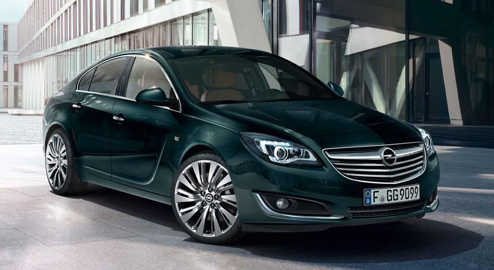 Grønn Opel Insignia 5-dørs